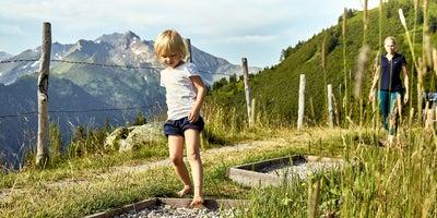 Abwechslungsreicher Barfußweg © MAYA Inspiranto (Tourismusverband Rauris)