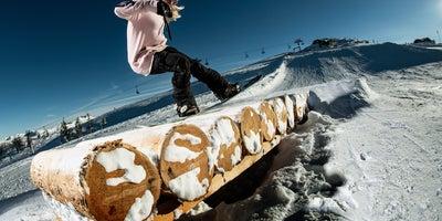 Snowboarderin-im-Burton-Stash-Park-Flachauwinkl © SalzburgerLand-Tourismus Foto Markus Berger