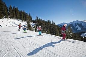 Familie-Piste-Winter-Skicircus-Saalbach-Hinterglemm-Leogang-Fieberbrunn © saalbach.com Foto Mirja Geh