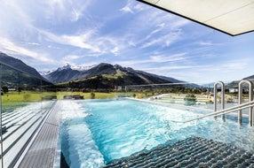 tauern-spa-glas-panormapool © Tauern Spa