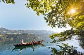 Im-Ruderboot-zu-zweit-ans-naturbelassene-Suedufer-Millstaetter-See © Millstaetter-See-Tourismus-GmbH foto Franz Gerdl