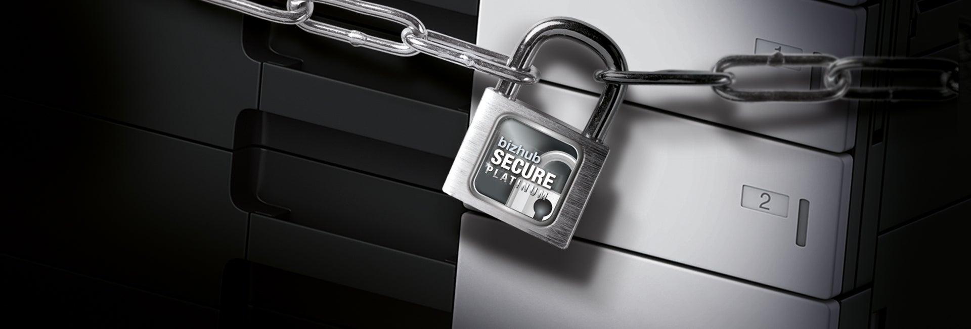 Schloss mit dem Logo von bizhub Secure Ultimate vor einem Multifunktionsdrucker von Konica Minolat