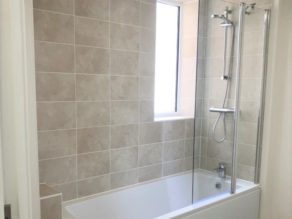 Canalside plot 60 bathroom 2
