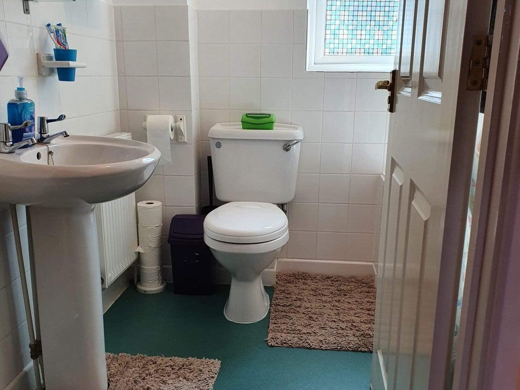 14 Butts Close - Bathroom