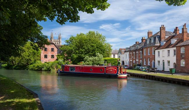 Image of canal boat in Newbury