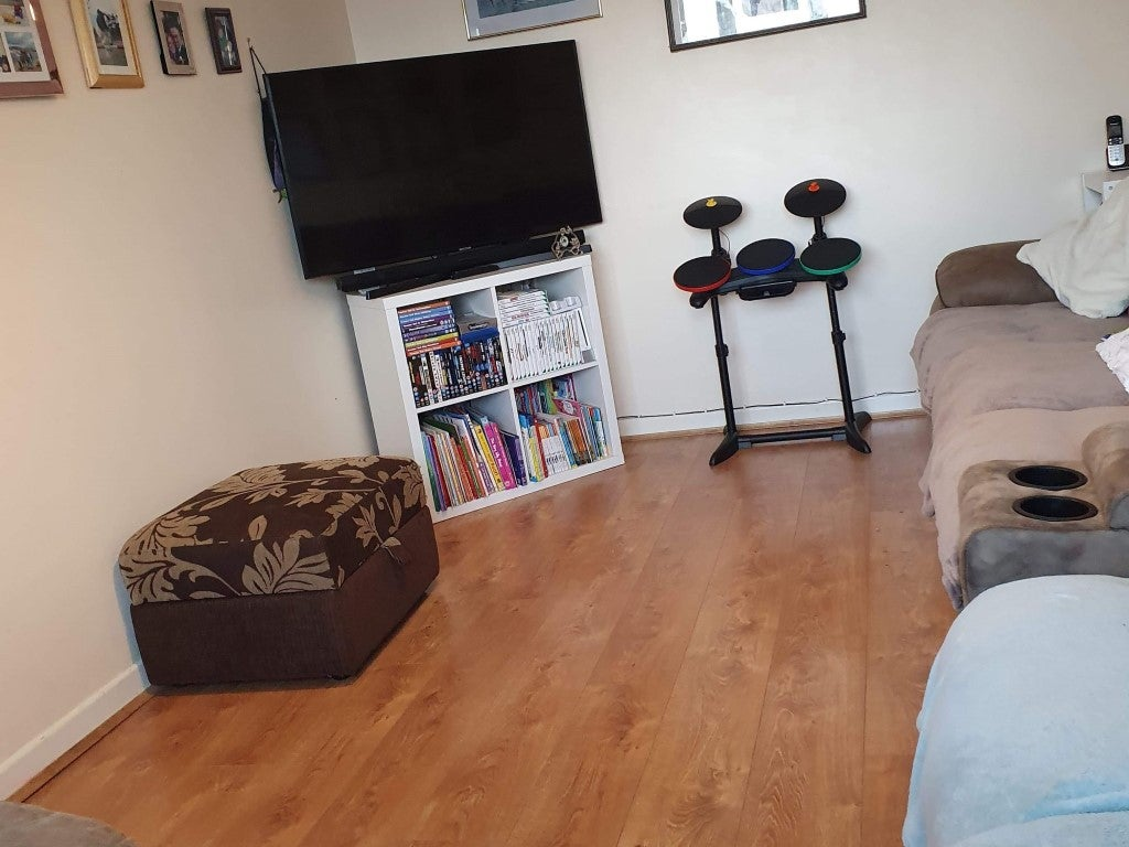 14 Butts Close - Living room