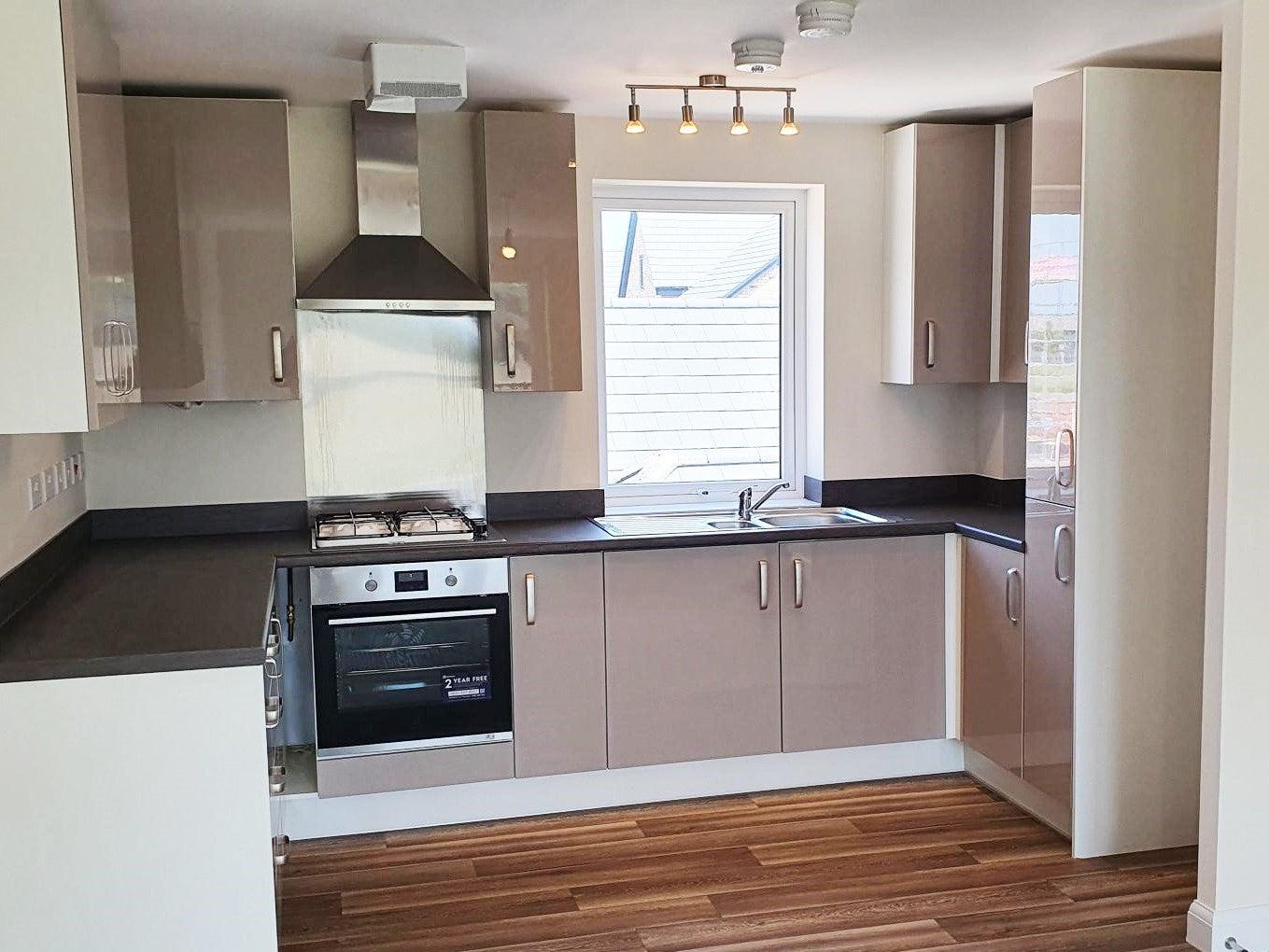Canalside PH3 kitchen 2