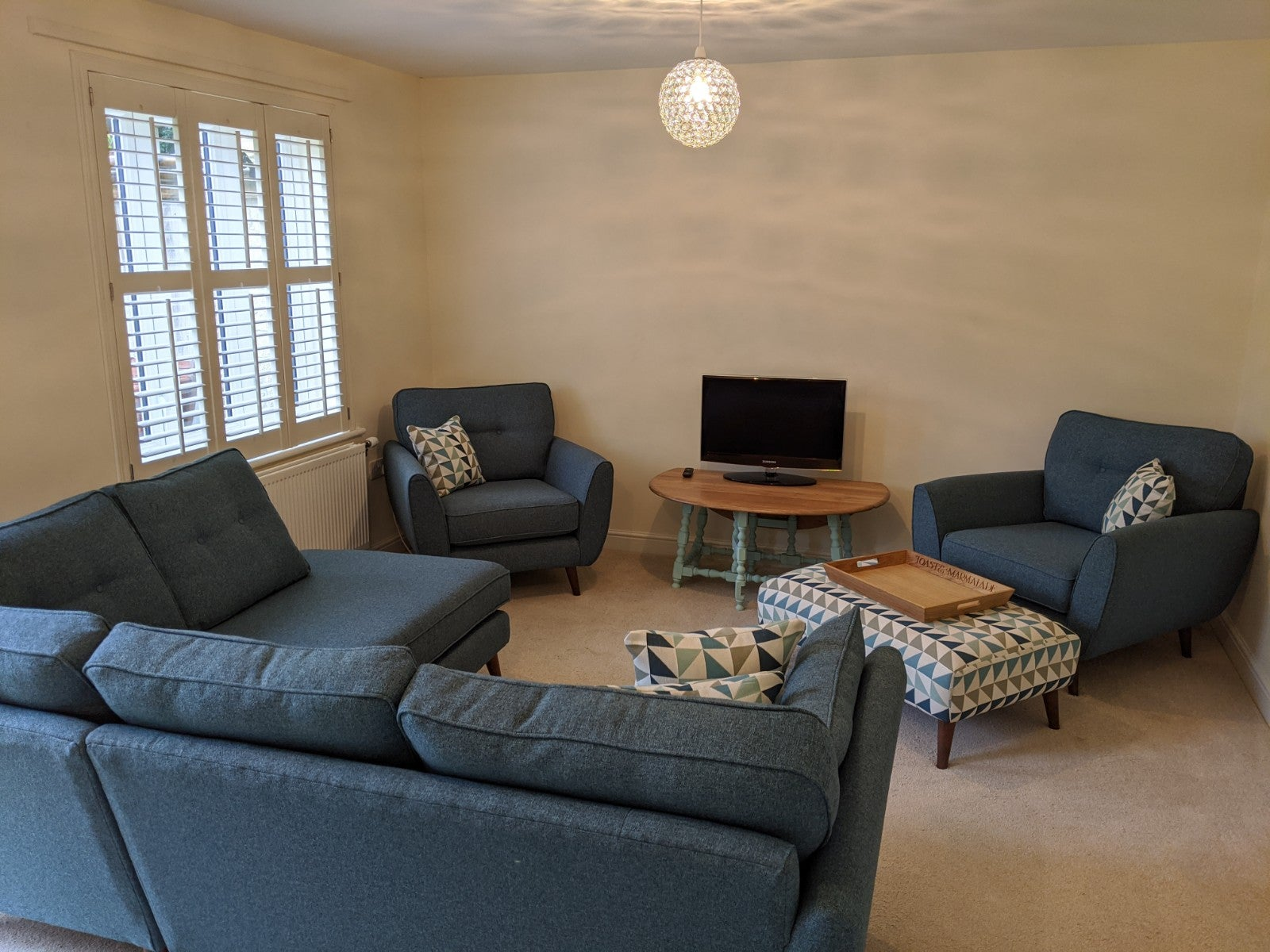 1 Coneygar Fields, Steeple Aston - Living room area