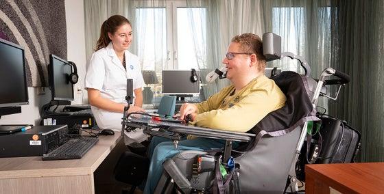 CTB consulent in gesprek met een patiënt