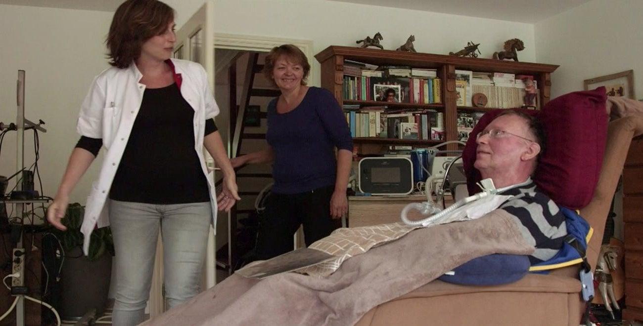 CTB consulent bij patiënt op thuisbezoek