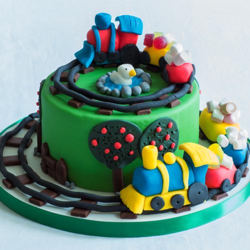 1-Train-Cake-WEB.png