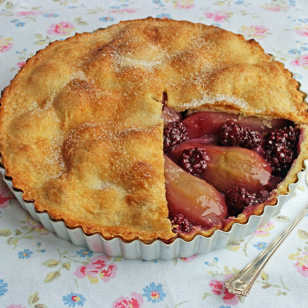 1-Pear-and-blackberry-pie-web.jpg