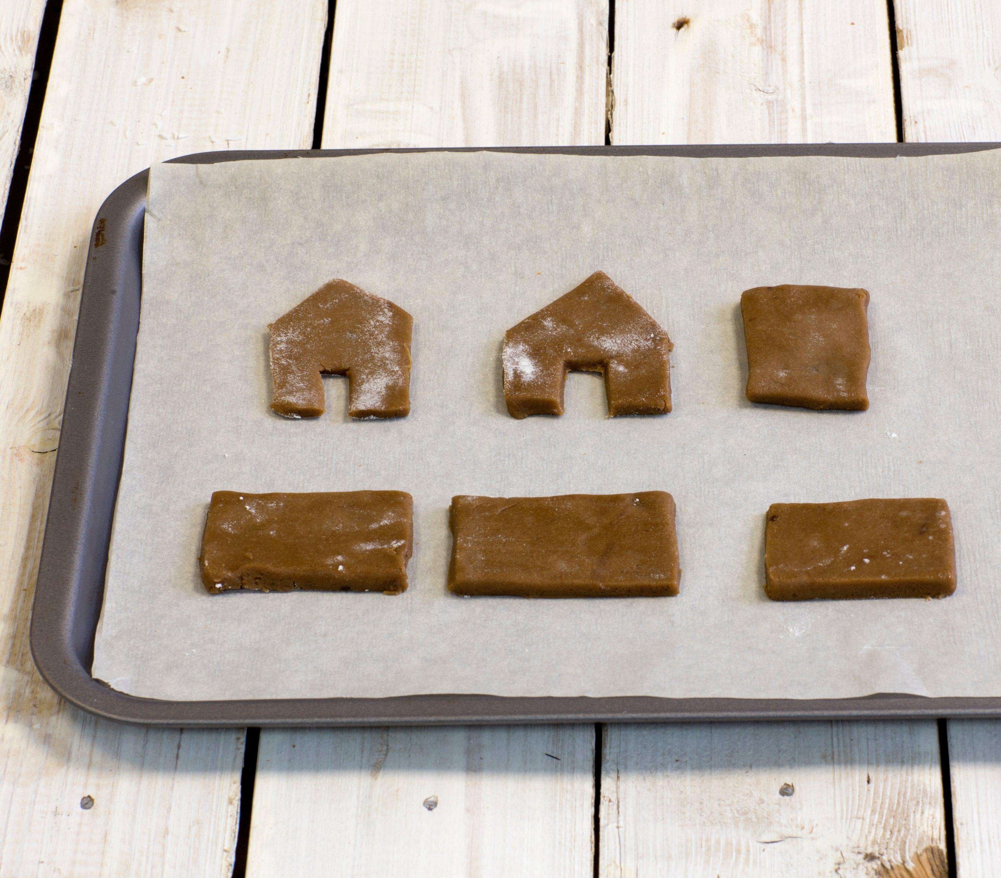 Mini-gingerbread-house-step-3.jpg