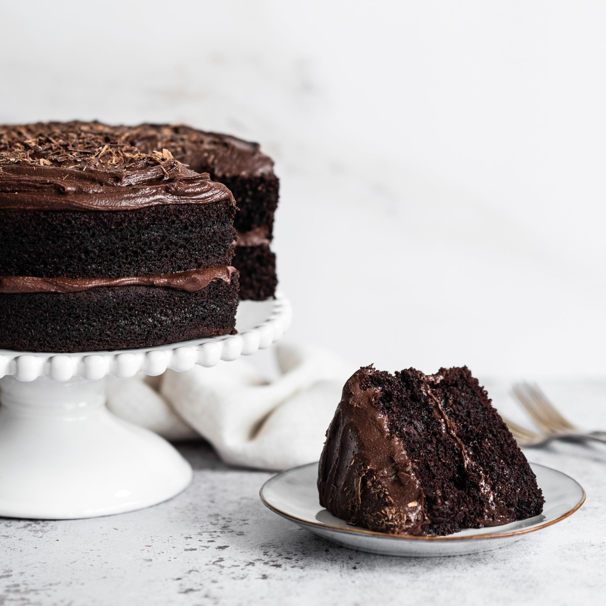 Vegan-Chocolate-Cake-SQUARE-4.jpg