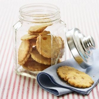 1-Hazelnut-and-Orange-biscuits-in-cookie-jar-web.jpg
