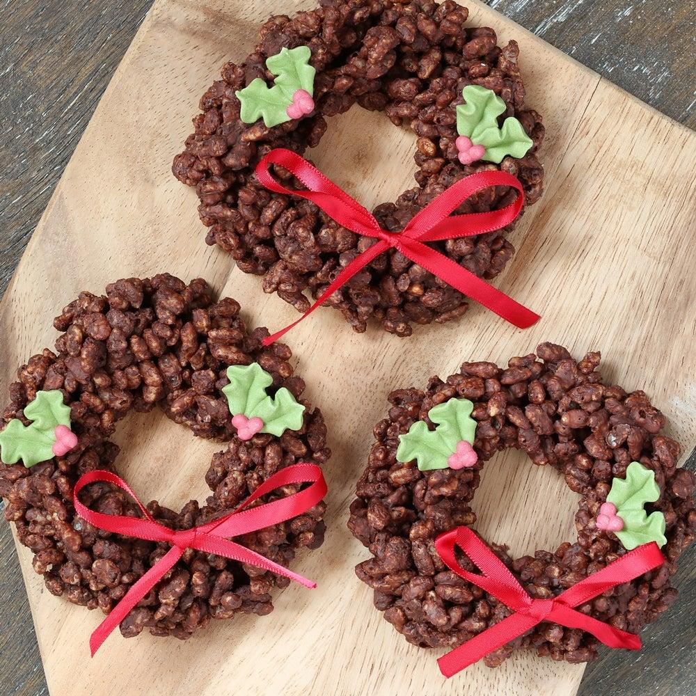 1-Chocolate-rice-krispie-wreaths-WEB.jpg