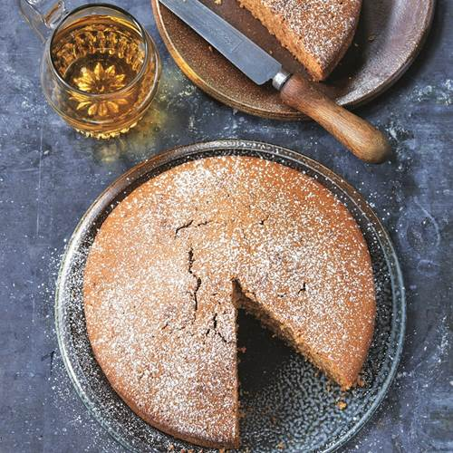 1-Paul-Hollywood-Cider-Cake-WEB.jpg