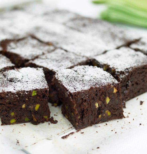 Pistachio chocolate brownies