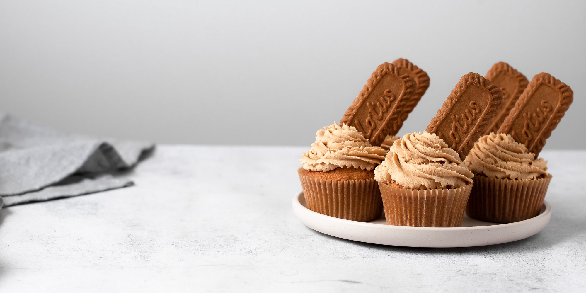 biscoff cupcakes on a plate
