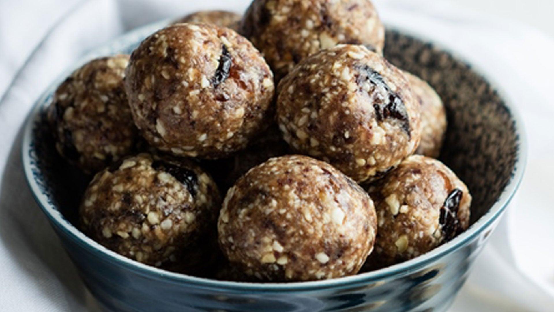 Ginger & Cashew Nut Energy Balls