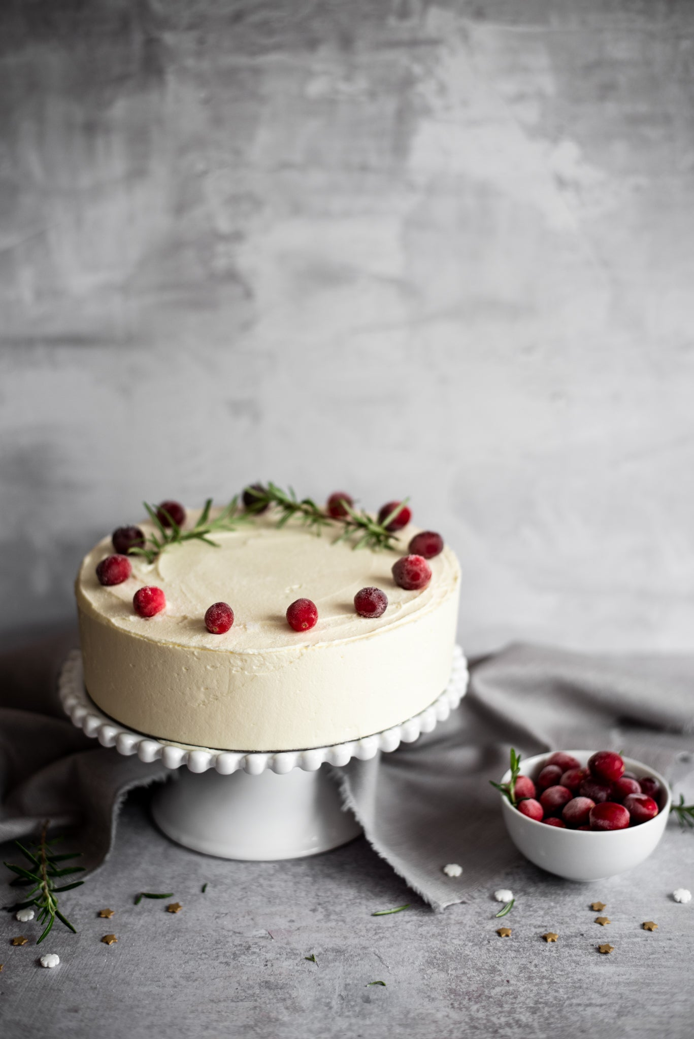 Snowy-White-Christmas-Cake-WEB-RES-4.jpg