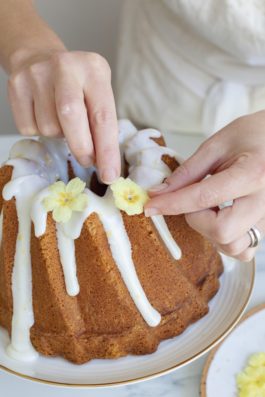 4-Spring-Flowers-Bundt-Cake.jpg