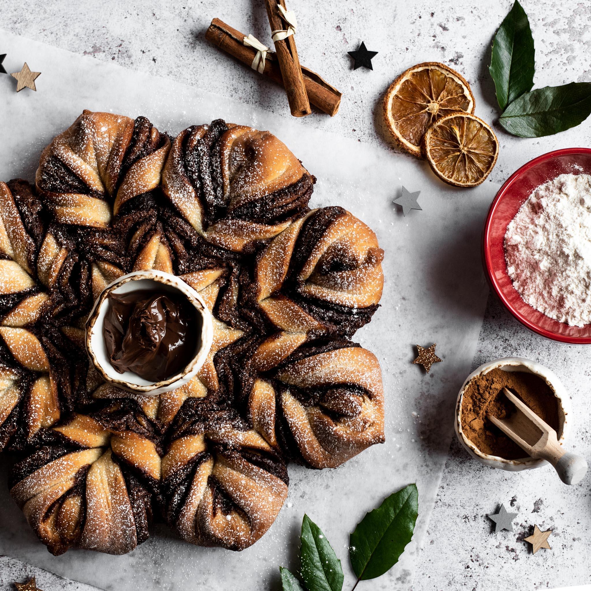 Cinnamon-Spiced-Tear-and-Share-Bread-(2).jpg