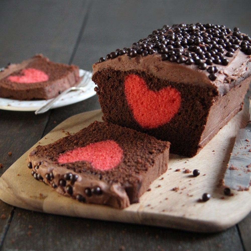 1-Chocolate-hidden-Heart-Cake-web.jpg