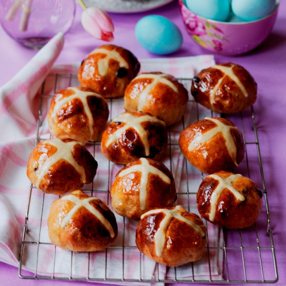 1-cranberry-and-orange-hot-cross-buns-web.jpg
