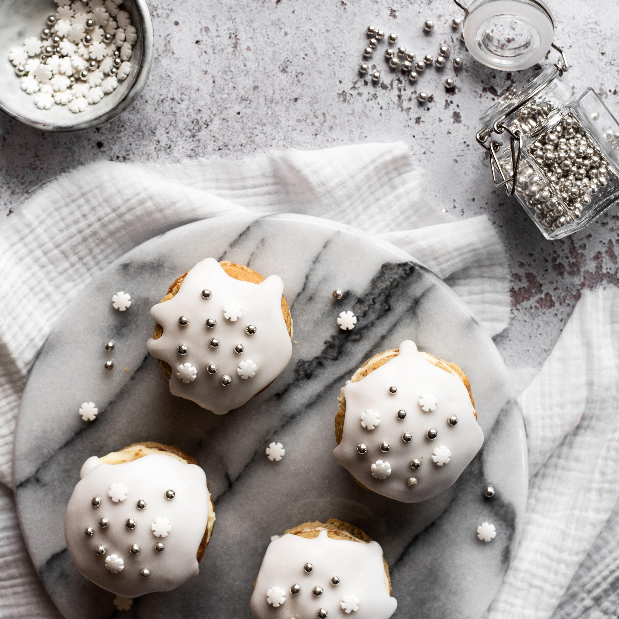Snowflake-Whoopie-Pies-SQUARE-8.jpg