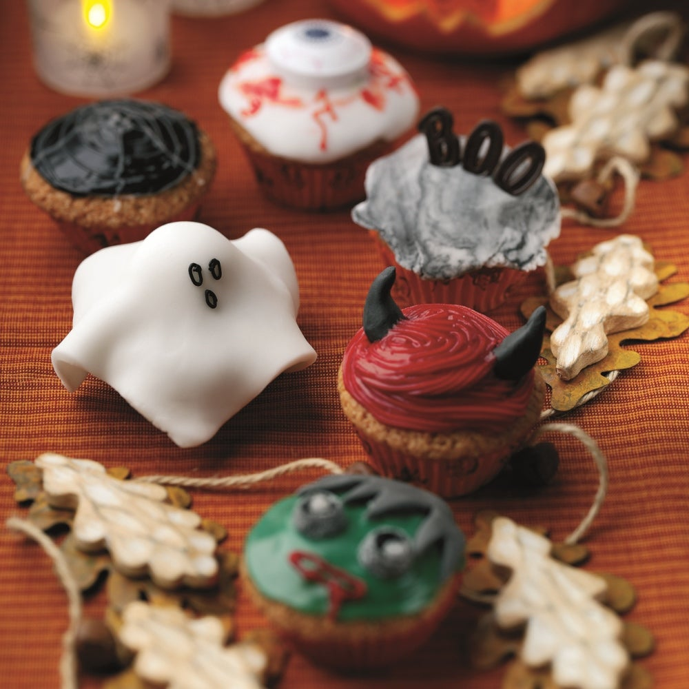 1-Halloween-cup-cakes.jpg