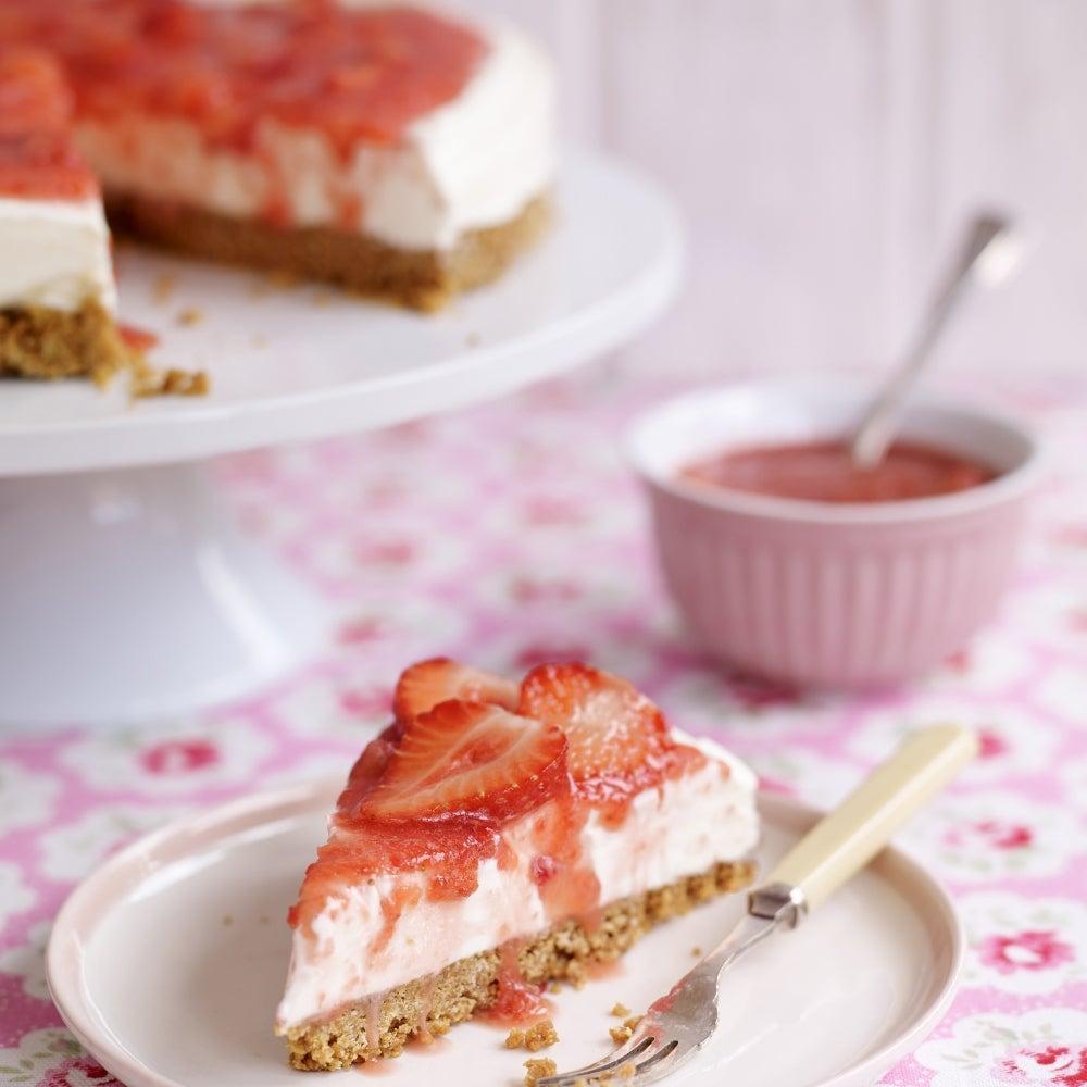 1-Super-easy-Sweet-Eve-strawberry-cheesecake-web.jpg