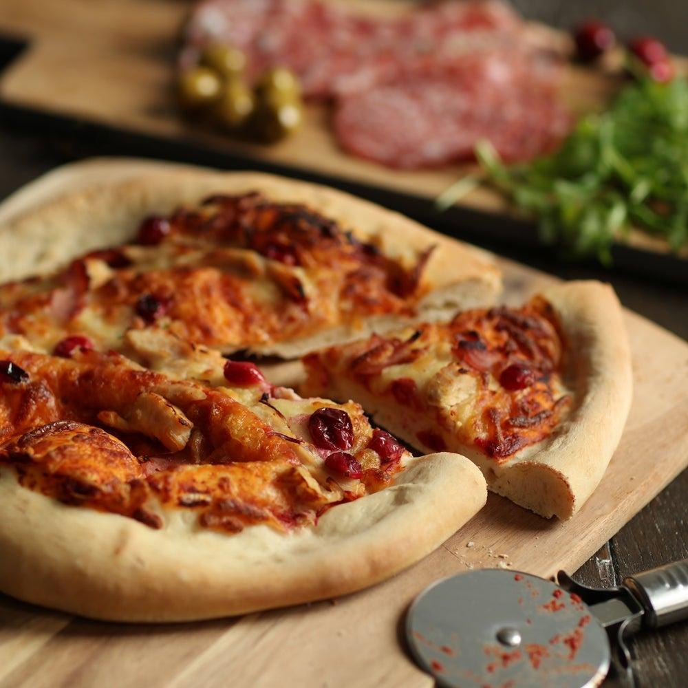 1-Turkey-cranberry-and-ham-pizza-WEB.jpg