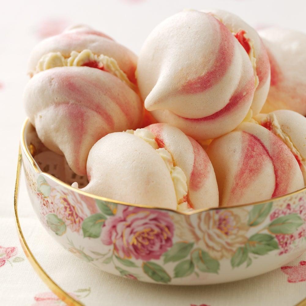 1-Cream-filled-pink-swirled-meringues-web.jpg