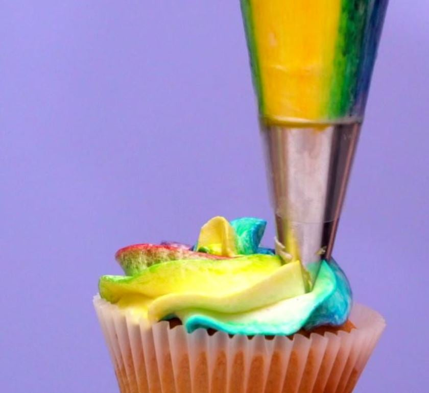 How To Pipe Rainbow Buttercream