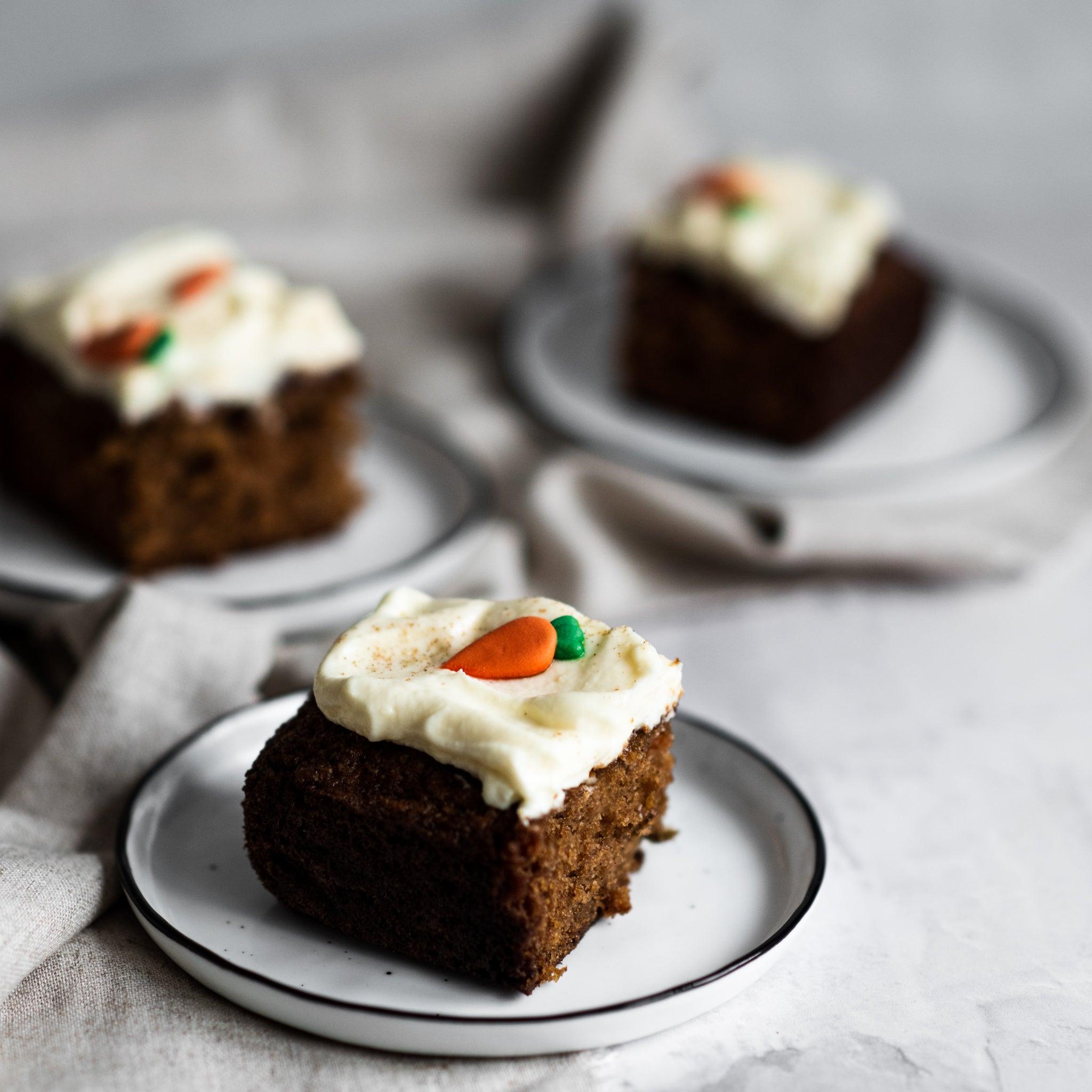 Carrot-Cake-Tray-Bake-SQUARE-8.jpg