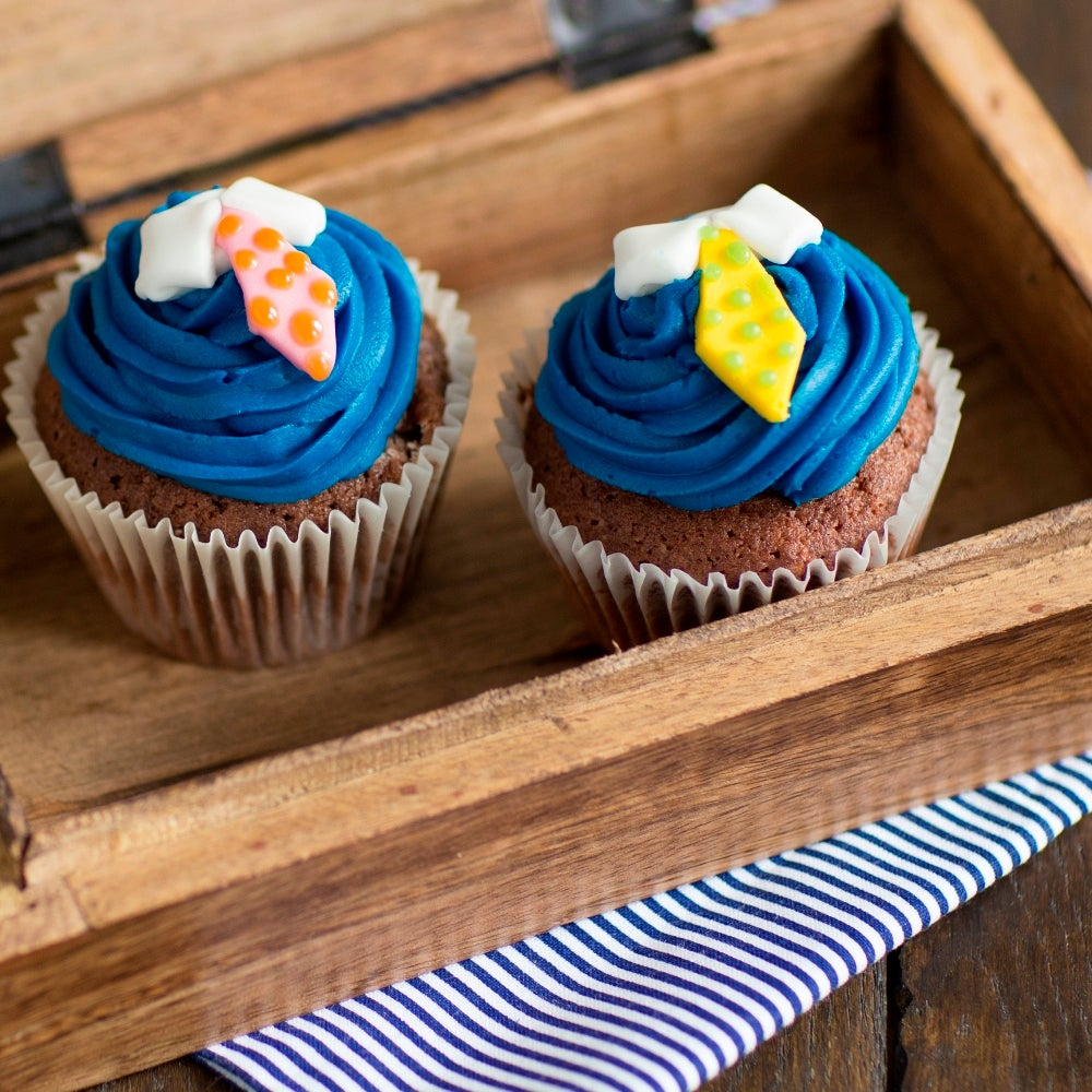 1-Fathers-Day-Cupcakes-WEB.jpg