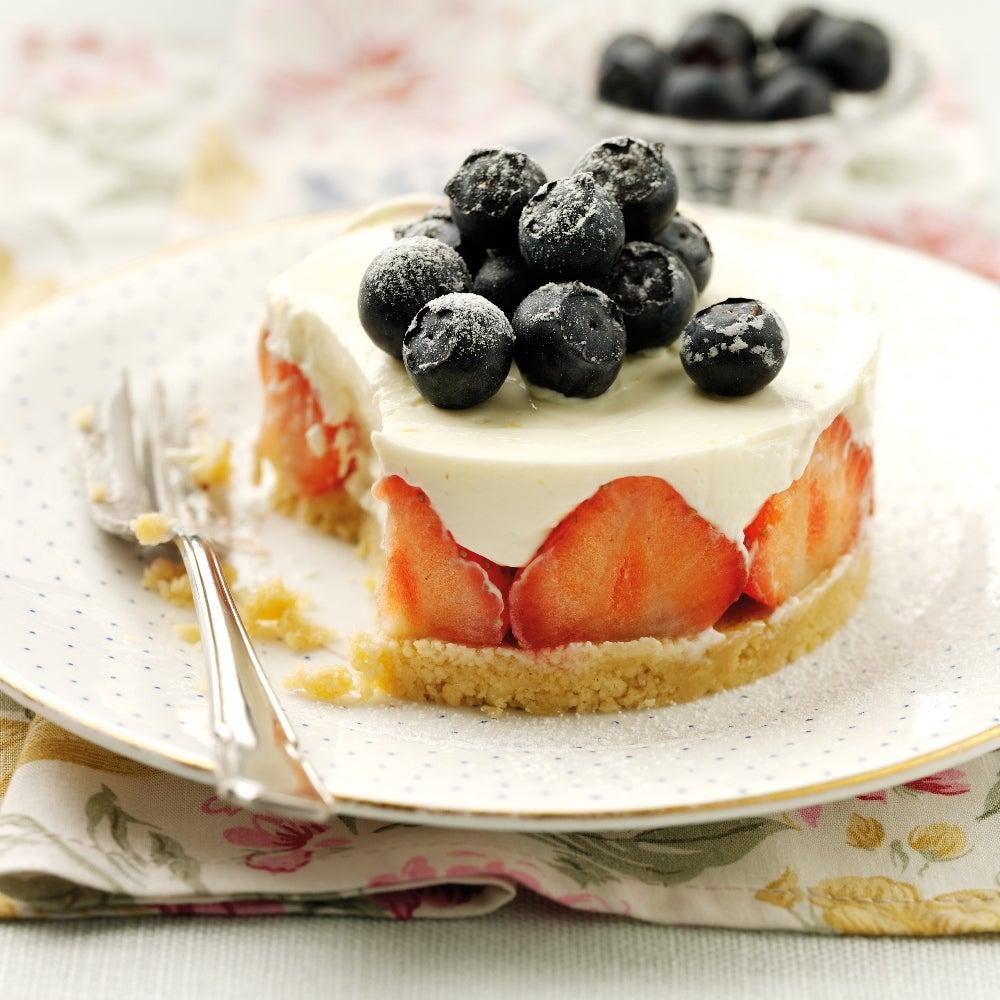 1-Strawberry-and-lemon-marscapone-cheesecake-web.jpg