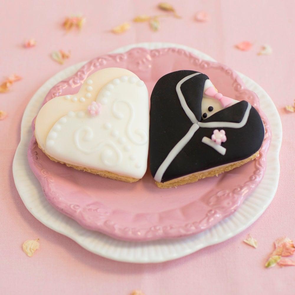 Bride & Groom Wedding Biscuits