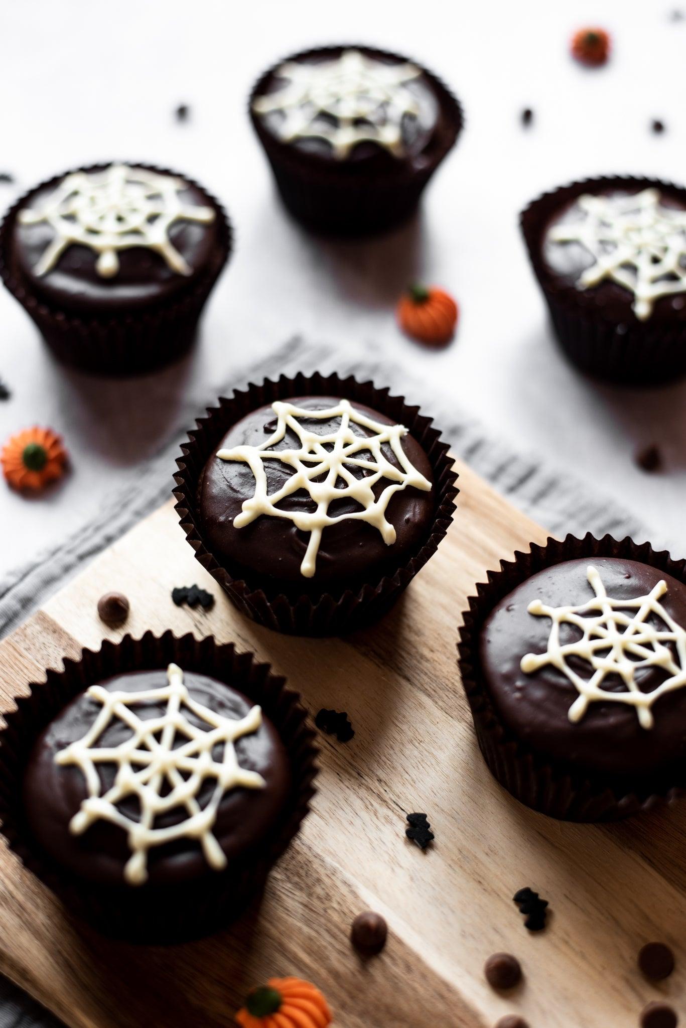 Spider-Web-Cakes-WEB-RES-4.jpg