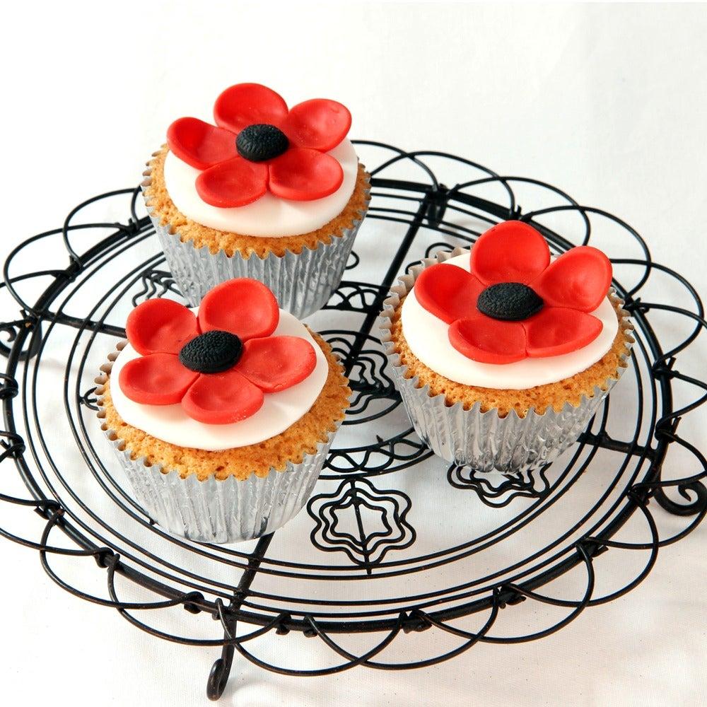 1-Poppy-cupcakes-web.jpg