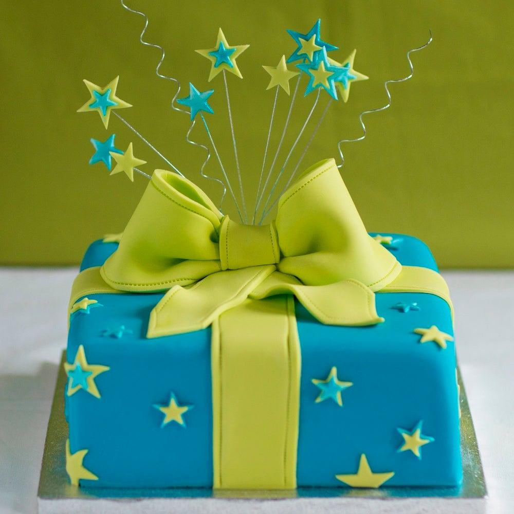 1-Present-Cake-WEB.jpg