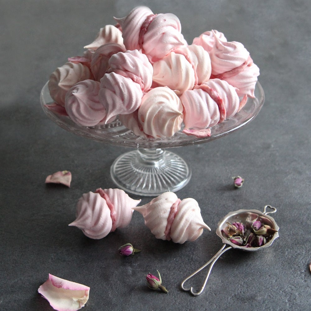 1-Meringue-kissses-web.jpg