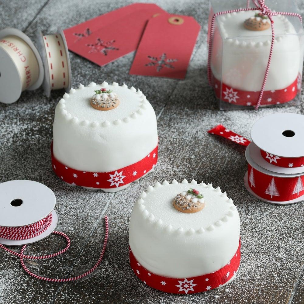 1-Mini-Xmas-cakes-WEB.jpg
