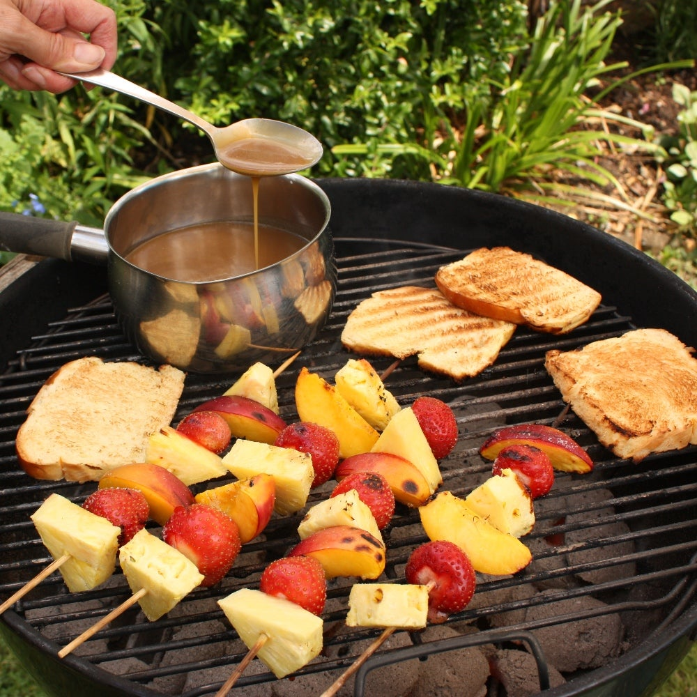 1-Toffee-fondue-with-fruit-kebabs-and-brioche-web.jpg