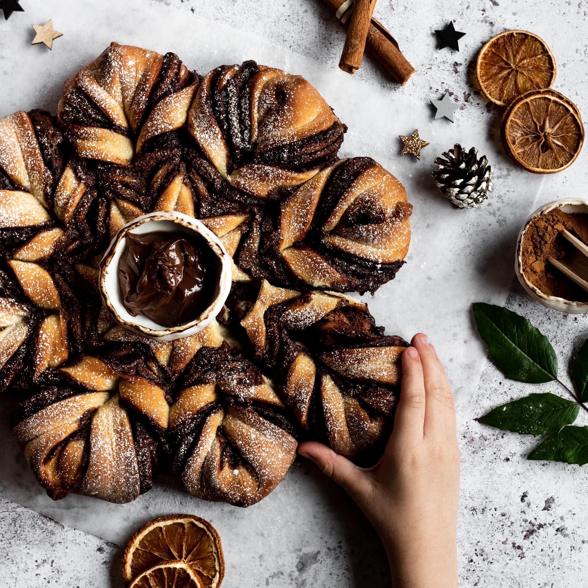 Cinnamon-Spiced-Tear-and-Share-Bread-(1).jpg
