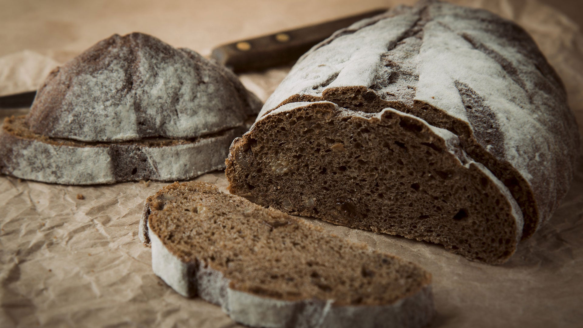 Dark-Ale-Walnut-Bread_Header.jpg