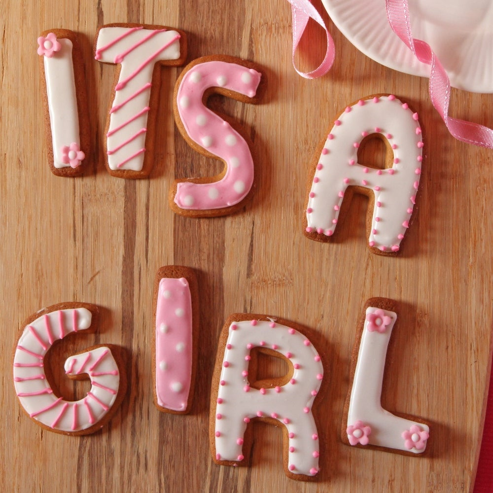 1-Its-a-girl-biscuits-web.jpg