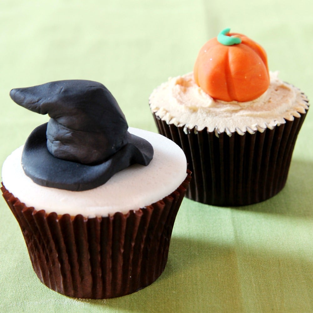 1-Witches-hat-cupcake.jpg