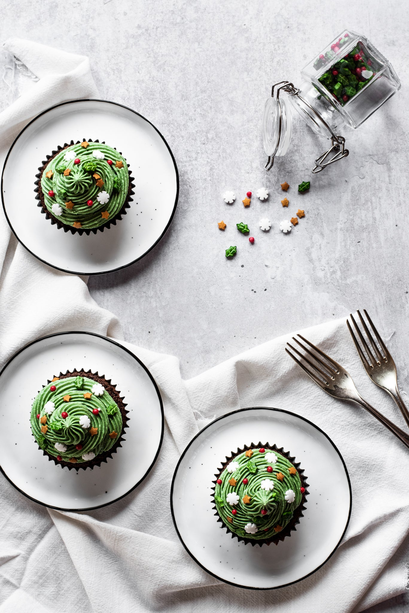 Christmas-Tree-Cupcakes-WEB-RES-7.jpg
